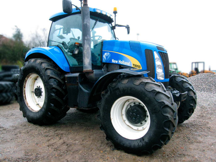 Трактор New Holland T8050