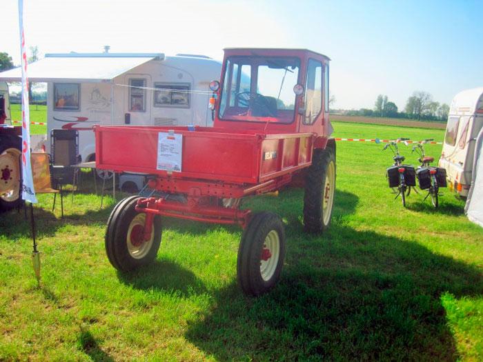 Трактор Т-16М на выставке