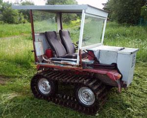 Гусеничный трактор Уралец