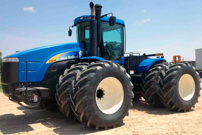 Трактор New Holland T9040